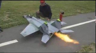 Uzaktan Kumandalı Jet model uçak